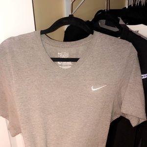 Nike Unisex v-neck